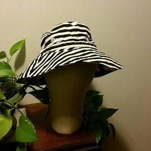 Reversible Roxy sun hat
